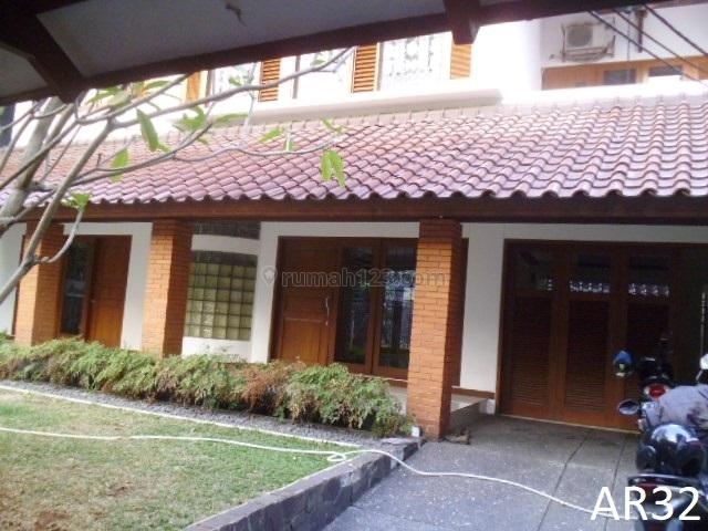 Warm 4BR Minimalist House in Kebayoran Baru Area –AR32, Kebayoran Baru, Jakarta Selatan