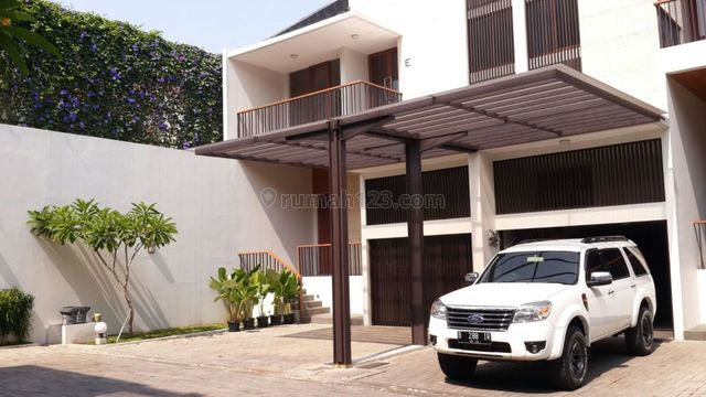 """The New Town House, Comfortable and Beautiful Town House In Area Bangka Close Kemang For Expatriat and Others """"The Price Can Be Negotiable"""", Bangka, Jakarta Selatan"""