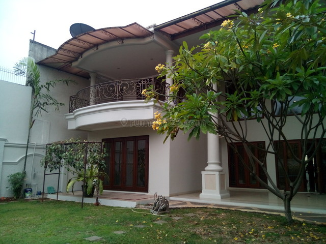 "Comfortable and beautiful house in kemang for expatriat and others "" The Price Can Be Negotiable "", Kemang, Jakarta Selatan"