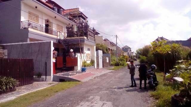 villa 2 unit minimalis siap Huni Di Dewi saraswati seminyak Bali, Seminyak, Badung