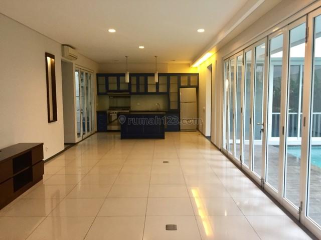 4 bedrooms Modern Minimalis House in Kebayoran Senopati, Kebayoran Baru, Jakarta Selatan