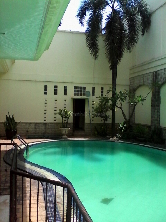 Nice House With Big Garden @ Pondok Indah, Pondok Indah, Jakarta Selatan
