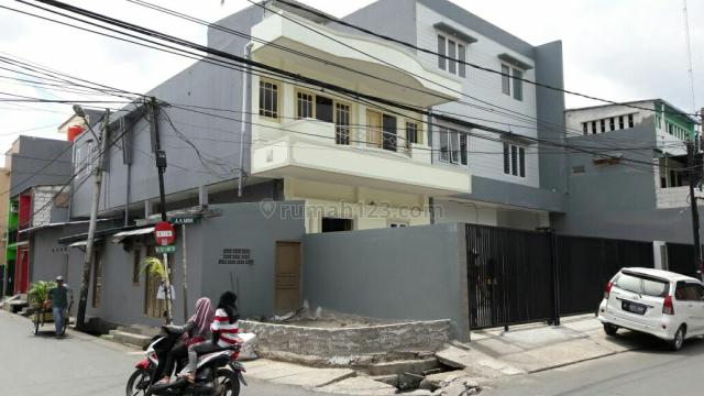 Rumah hoek steategis, Sunter, Jakarta Utara