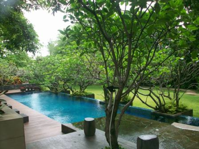 unique homey town house as living in the vila with  surrounding greeny garden pool, Cipete, Jakarta Selatan
