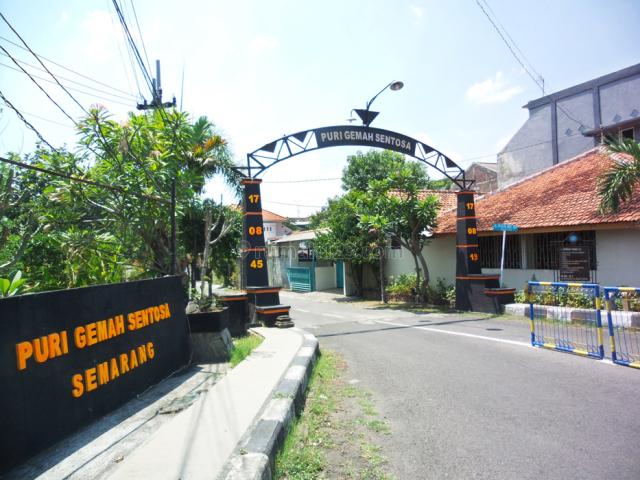 RUMAH 2 LANTAI SIAP HUNI JL PANDANWANGI  GEMAH SMG ,DEKAT SWALAYAN ADA MAJAPAHIT, Gemah, Semarang