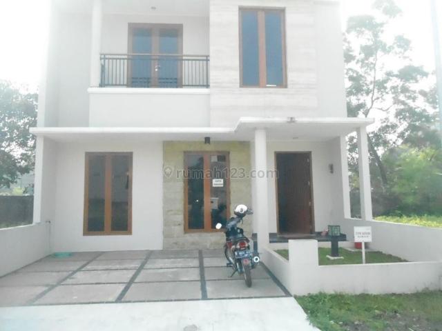 Rumah nyaman dan strategis dekat Polsek di Bintaro sektor 9, Bintaro, Tangerang Selatan