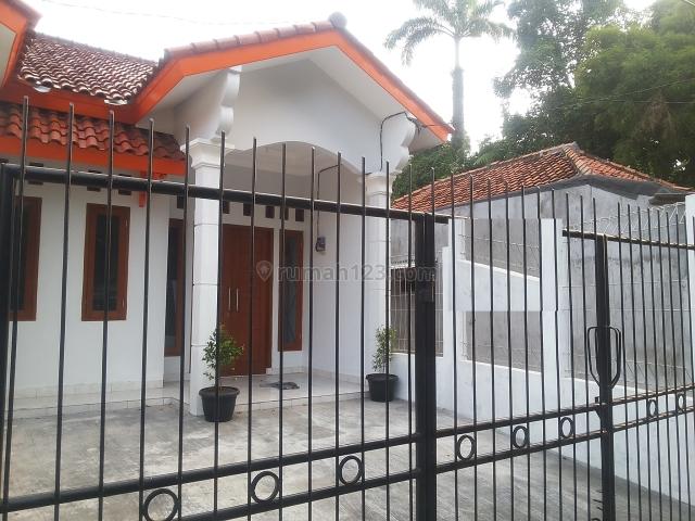 RUMAH KEBON JERUK BARU SIAP HUNI    Hub : CHRIST 081280069222 PR-008346, Kebon Jeruk, Jakarta Barat