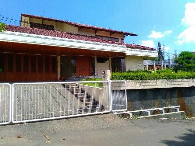 Rumah cantik semarang atas, Bukit Sari, Semarang