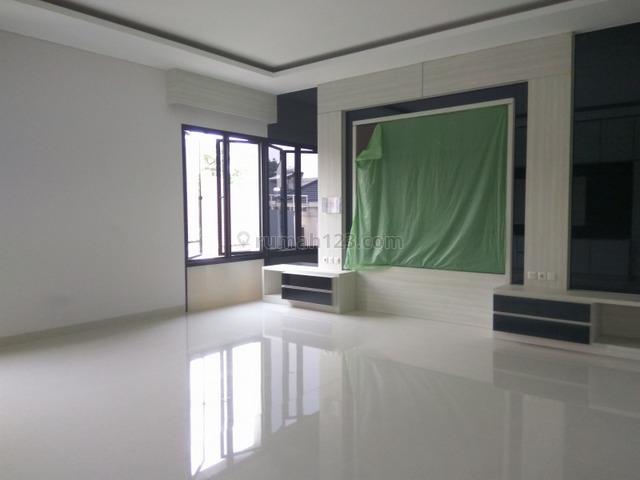 "Good house in strategic location of Senopati  ""The price can be negotiable"", Senopati, Jakarta Selatan"