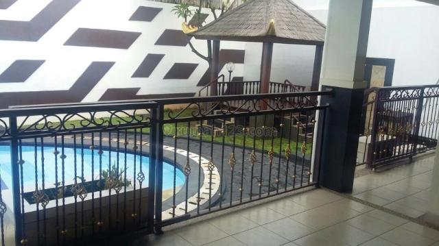 Rumah Ekslusive daerah tenang di Sekolah Duta, Pondok Indah, Jakarta Selatan