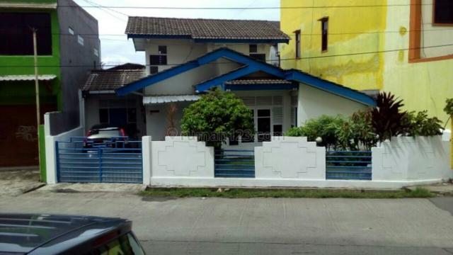 rumah besar luas tingkat separoh, Pamulang, Tangerang