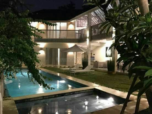 Villa luxury siap Huni Terletak Di kerobokan Badung Bali, Kerobokan, Badung