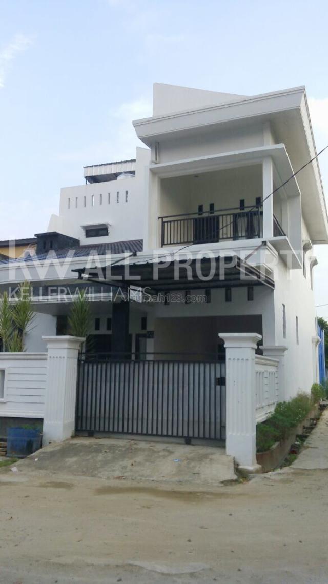 Rumah Cantik Konsep Minimalis di Villa Utama Selayur Jln Harapan jaya 1 Palembang, Kalidoni, Palembang