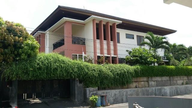 RUMAH 2 LANTAI ASYIIIIK BANGET, Srondol, Semarang