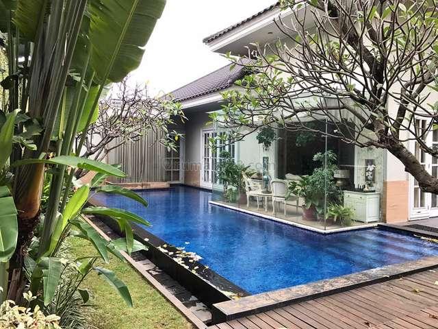 Rumah Lux Dengan Lingkungan Yang Tenang @ Kemang Timur Jakarta Selatan, Kemang, Jakarta Selatan