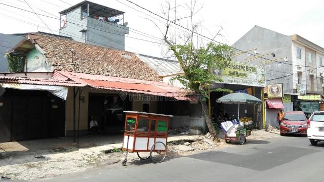 Rumah Lama di Mainroad Jl. Sawah Kurung, Lengkong, Bandung