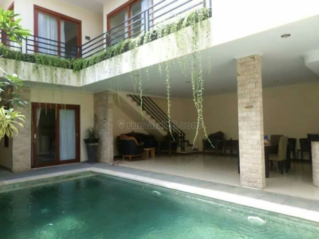 Villa Minimalis siap Huni Di Taman sari kerobokan Badung Bali, Kerobokan Kelod, Badung