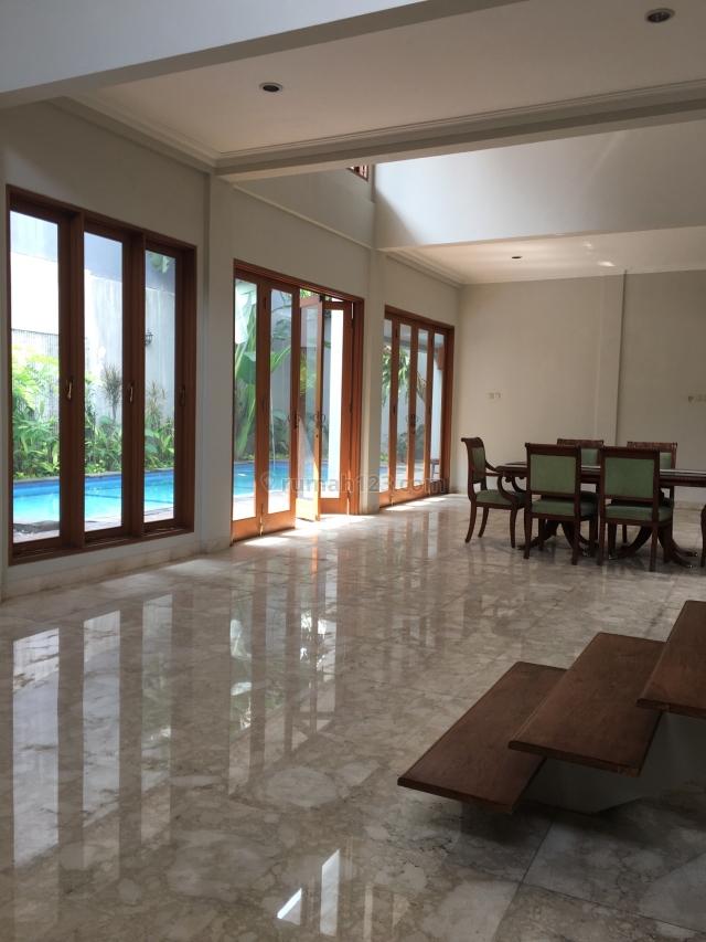 very nice house with swimming pool, Pondok Indah, Jakarta Selatan