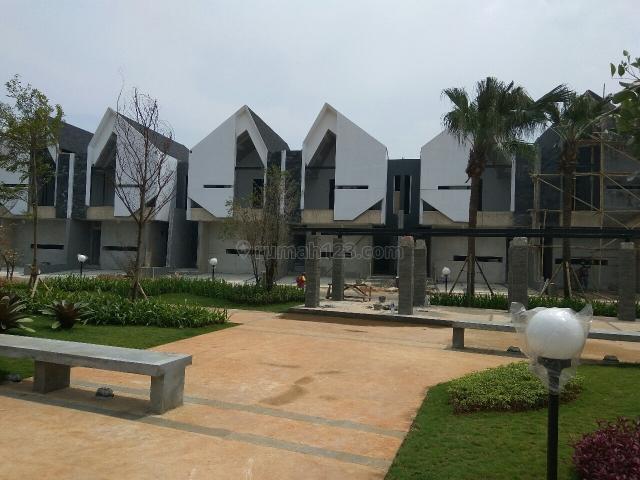 rumah modern, smarthome, lengkap fasilitasnya, Bintaro, Jakarta Selatan