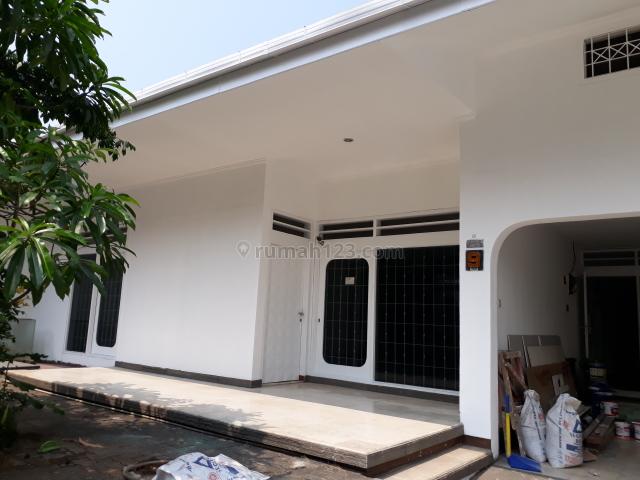 Rumah Baru Renovasi Dekat Taman Barito, Kramat Pela, Kebayoran Baru, Jakarta Selatan