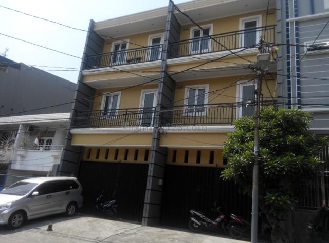 Pademangan Rumah Baru Jalanan Lebar bisa 3 Mobil, ada 2 unit Dempet, boleh beli 1, Pademangan, Jakarta Utara