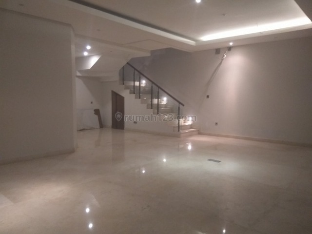 """Comfortable and beautiful house In Kemang area for expatriat and others """"The price can be negotiable"""", Kemang, Jakarta Selatan"""