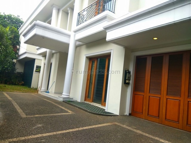 """Comfortable and beautiful house In Kuningan area for expatriat and others """"The price can be negotiable"""", Kuningan, Jakarta Selatan"""