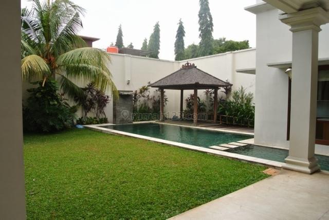 Modern house - close to Kemang, Ampera, Jakarta Selatan
