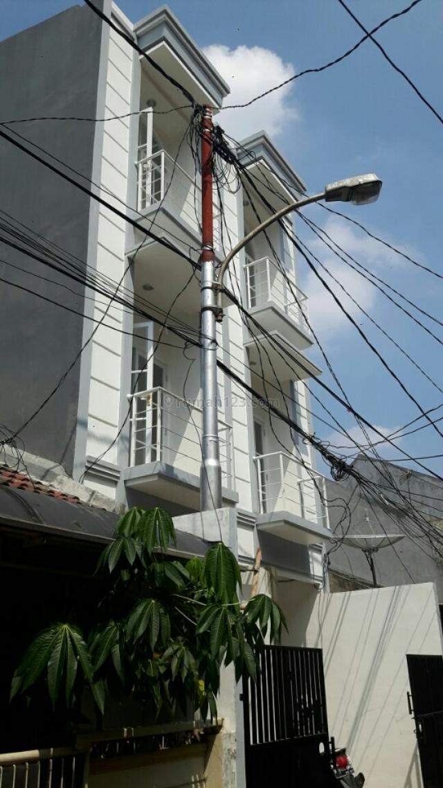 Rumah Siap Huni Modern Minimalis, Tanjung Duren, Jakarta Barat