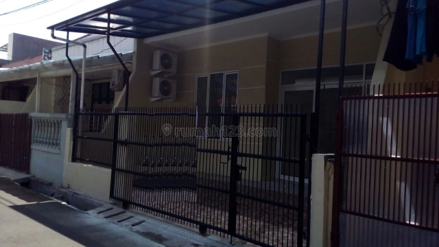 Rumah Cantik Daerah Duri Kepa Siap Huni sangat nyaman Christ 081280069222 PR-009423, Duri Kepa, Jakarta Barat