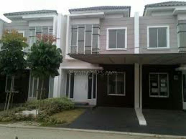 Rumah Siap Huni 4 kamar Rumah bersih dan Rapih, Green Lake City, Jakarta Barat