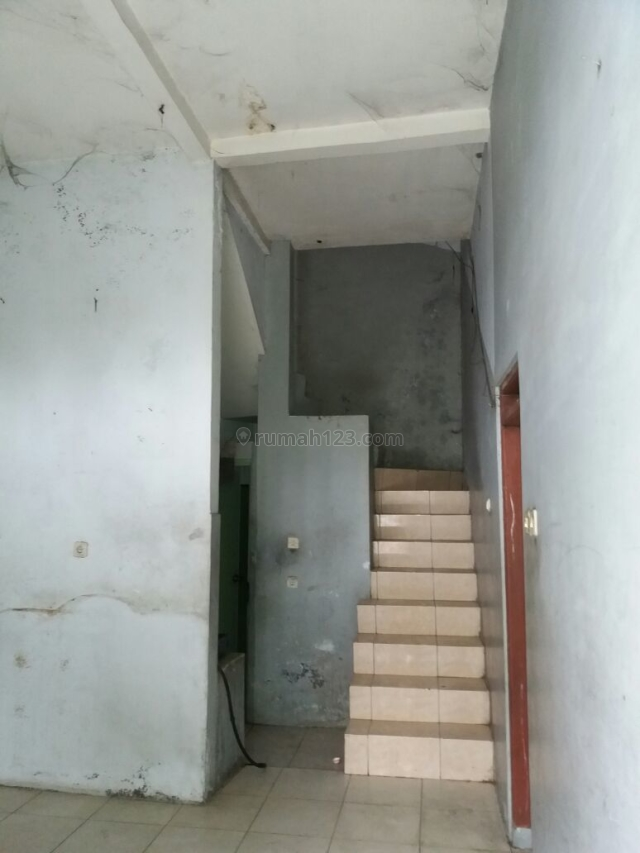 Rumah Di Jl. Tegal Panas, Semarang, Bergas, Semarang