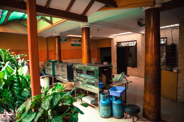 bentuk tanah ngantong di jalan raya Dr Sahardjo_Supomo Jakarta Selatan, Supomo, Jakarta Selatan