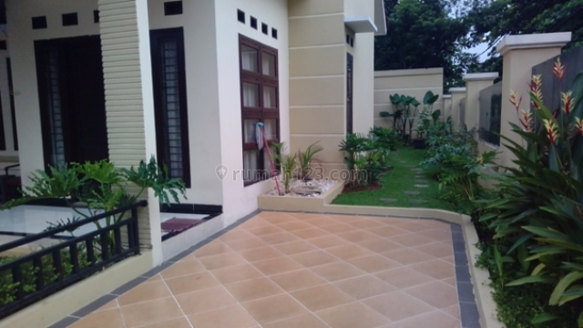 Rumah Baru Cantik di Hook + Taman dalam Custer Cipadu Tanggerang, Cipadu, Tangerang