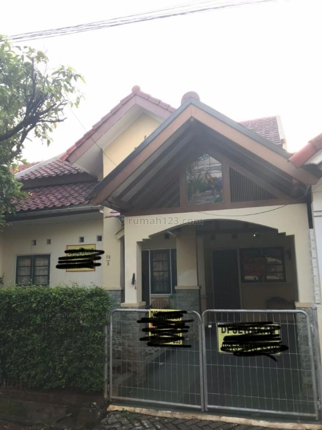 Rumah cantik di lingkungan perumahan elite, Kemang Pratama, Bekasi