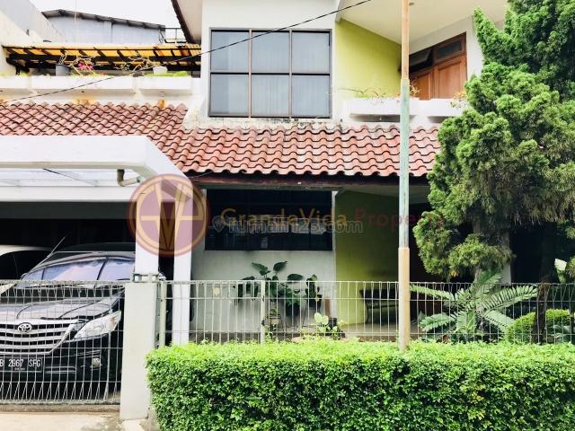 GANDARIA-RUMAH DI HOEK, AKSES DEKAT DENGAN JALUR MRT FATMAWATI, DALAM KOMPLEKS, SECURITY 24 JAM, Gandaria, Jakarta Selatan