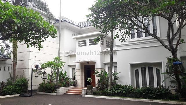 Rumah Mewah di Jagakarsa, Jakarta Selatan, Siap Huni, 5 BR, Tennis Court, Private Pool, Furnished, LT 3660 m2, Jagakarsa, Jakarta Selatan