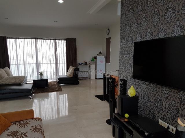 Rumah  Cantik Dalam Cluster, Lebak Bulus, Jakarta Selatan