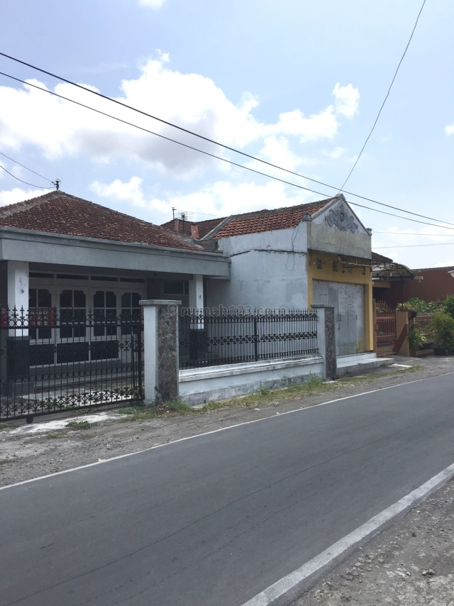 Rumah Strategis Siap Pakai, Cemani, Solo