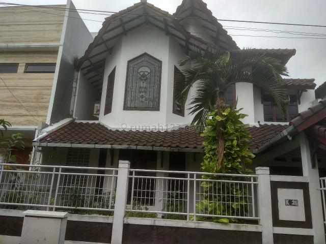 Rumah Apik dan Antik di Vila Delima, lok Oke, Lebak Bulus, Jakarta Selatan