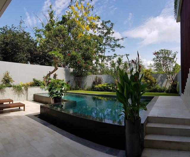 Freehold Modern Villa Hak MIlik in Jimbaran Close to GWK, Jimbaran, Badung