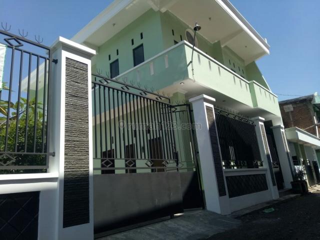 Rumah minimalis, Solo Baru, Solo