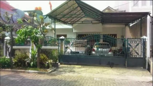 Rumah Tua , Hitung Tanah , Depan Taman, Sunter, Jakarta Utara