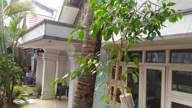 For rent, beautiful house at Bendungan Hilir, Central Jakarta, suitable for family or an office, Bendungan Hilir, Jakarta Pusat