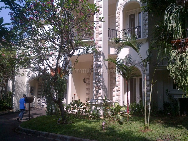 bright house,luxury,in the town house,near dutch school and tb simatupang, Kemang, Jakarta Selatan