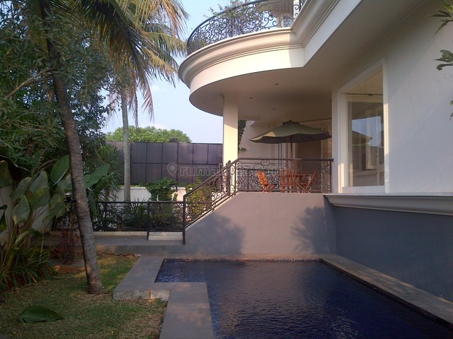 Nice House,comfortable,strategic Location,close To Ais, Kemang, Jakarta Selatan