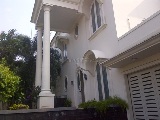 Nice & Beautiful House In The Best  Location,close To Nis, Kemang, Jakarta Selatan