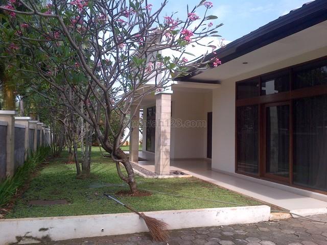 Big House,big Garden And Pool,fully Furnished ,prestigious, Kuningan, Jakarta Selatan