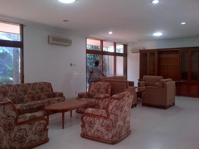 Big House,nice And Comfortable,fully Furnished,strategic, Kuningan, Jakarta Selatan