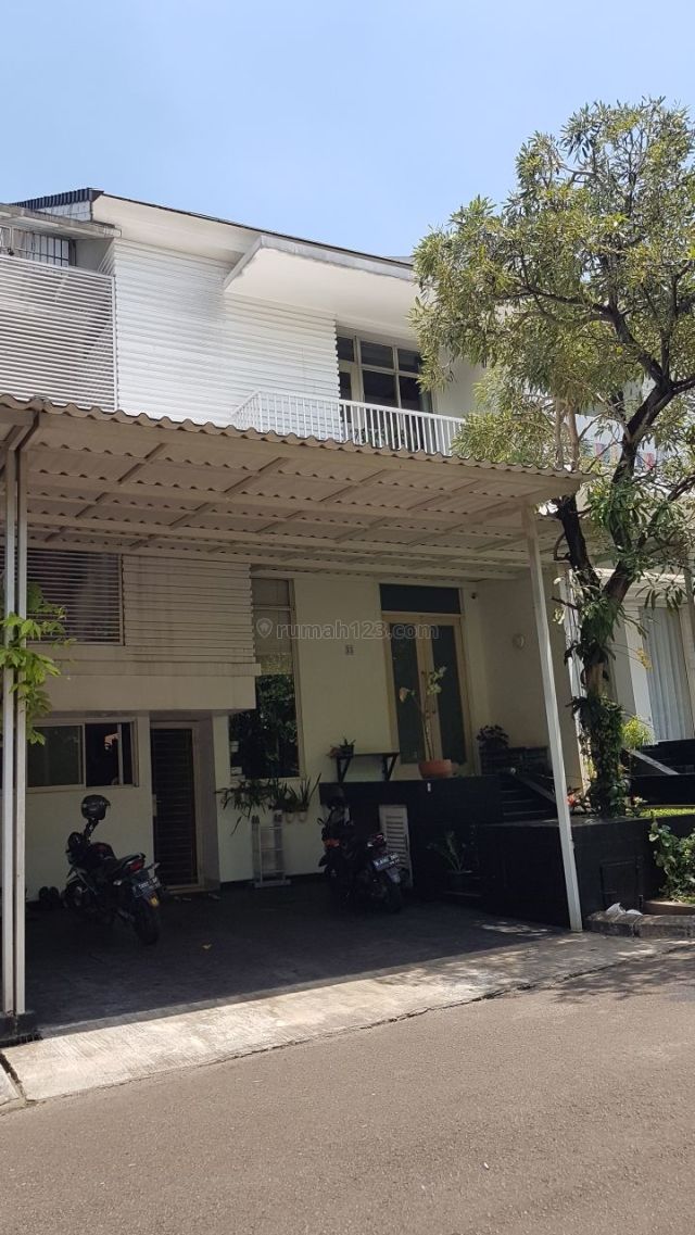 Rumah manis minimalis, Pondok Pinang, Jakarta Selatan